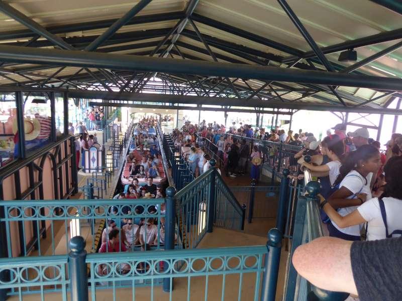 Its_a_Small_World_Disneyland_Resort_Paris