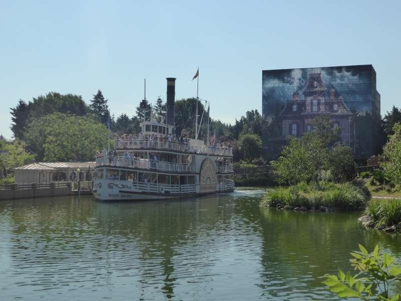 Phantom_Manor_Disneyland_Resort_Paris