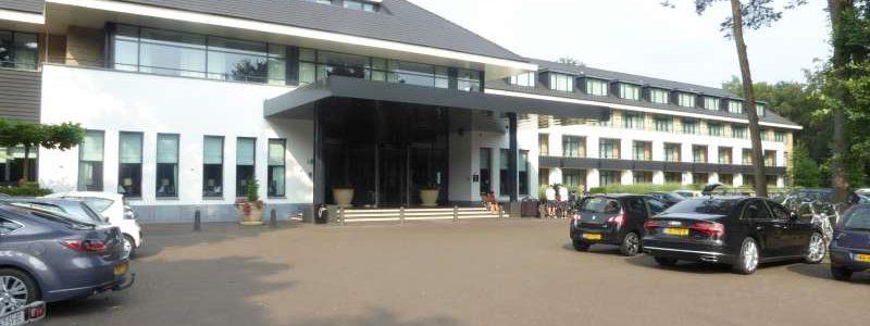 Hotel Van der Valk Harderwijk entrance