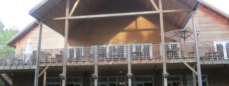 Hôtel des Trois Hiboux Parc Asterix terrace